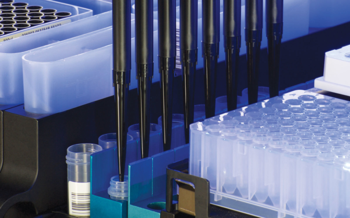 automated pipetting and liquid handling close up