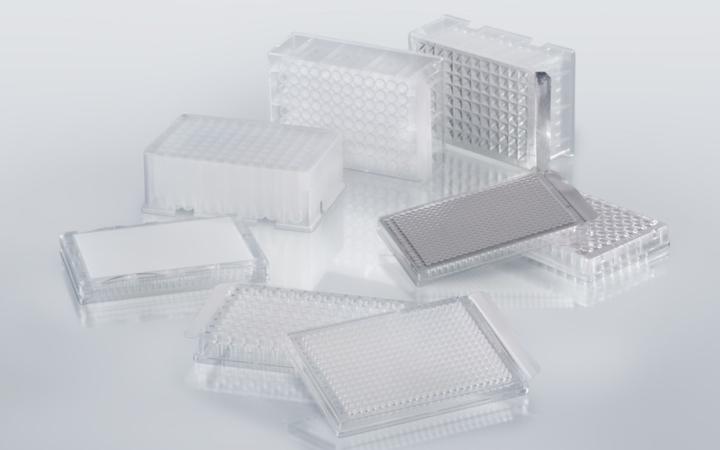 Liquid handling sealing consumables